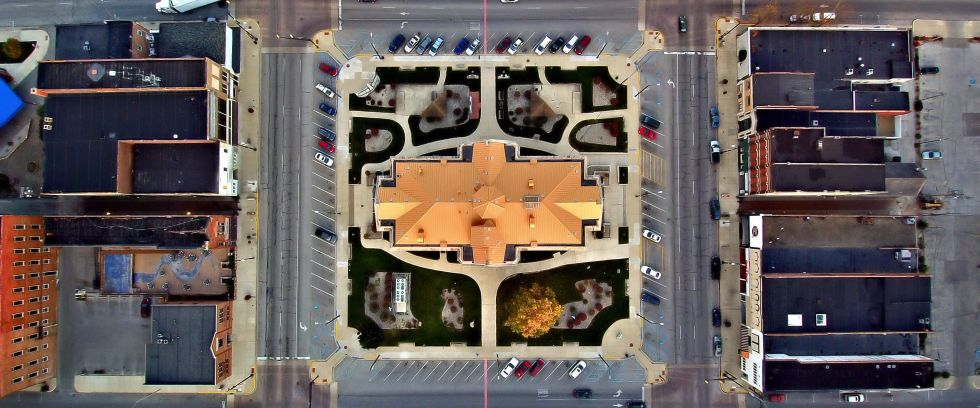 The-Square-From-Above-2017-Winning-Photo-By-Glen-Devitt